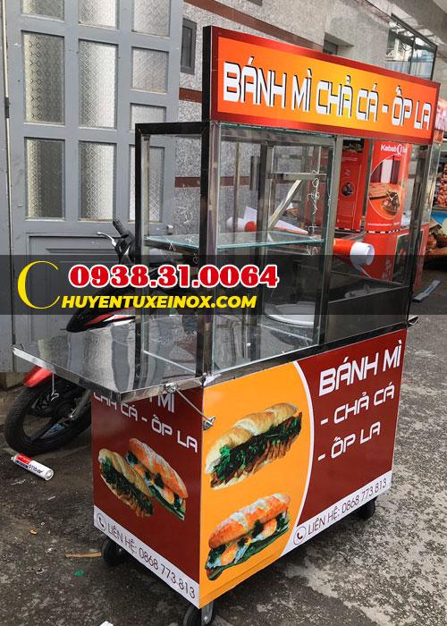Xe bánh mì chả cá Nha Trang